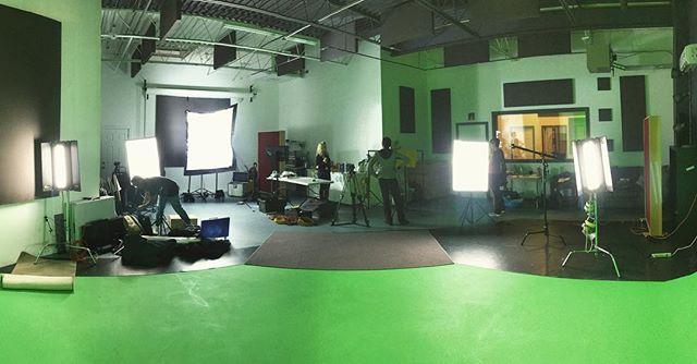 Lights are lit fam. #torontofilmmakers #filmstudio #daylighting #kidsshow #torontodance