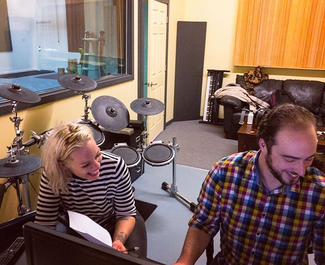 @ashleawessel and @matkeselman cracking up during a voiceover session. Because voice work is hilarious. #torontostudio #audiopost #yamahadt #soundengineering
