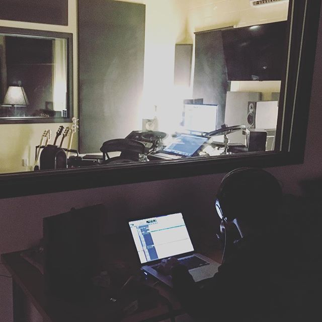 Power is out in the whole building, our heater is down for the day and we are still running two sessions. You can't stop this train. #torontostudio #canadianmusic #protools #windowpain #spaceheater
