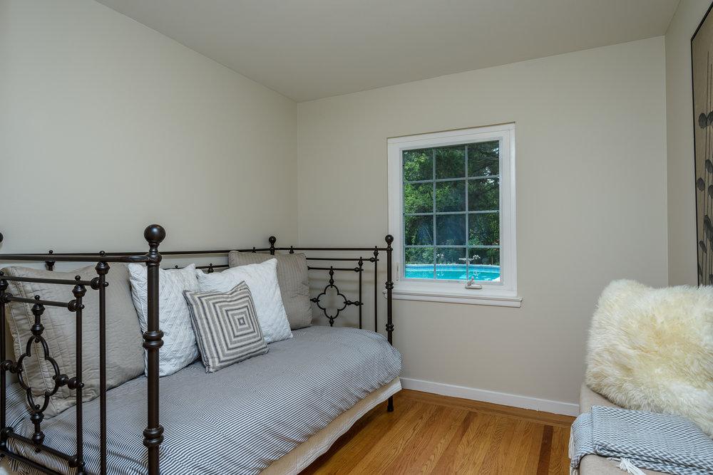 012_Guest Bedroom.jpg