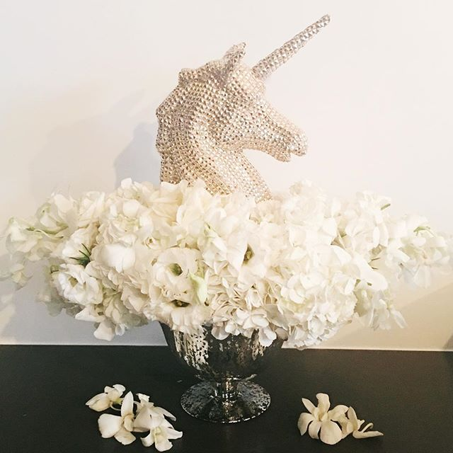 Going into 2017 like 🦄 #amandapierceproductions #nye #nycnye #unicorn #centerpiece #nycflorist #nycflowers #nycevents #loveit