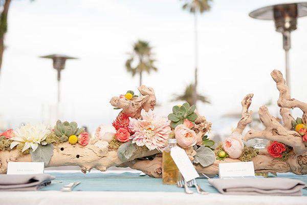 BRANCHES. This centerpiece definitely gives a summery, beach-vibe feels!