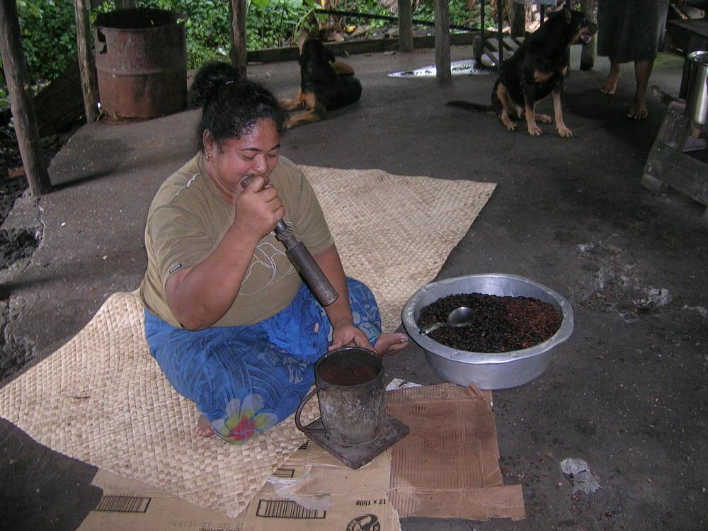 Cocoa pounding2.JPG