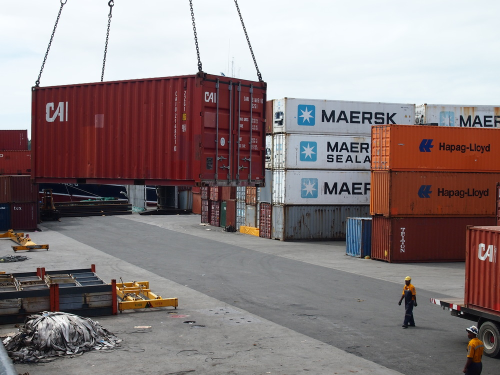 container move 2.JPG