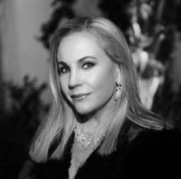 Dr. Carolyn Farb, hc