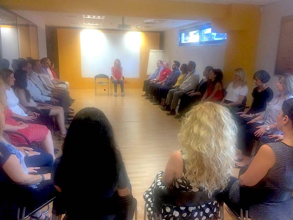 MINDFULNESS | DHL GREECE    Mindfulness workshop για τους εργαζόμενους της DHL Greece. Ξεκινώντας την ημέρα με λίγες στιγμές ηρεμίας και μαθαίνοντας εύκολους τρόπους να εστιάζουμε στο παρόν.