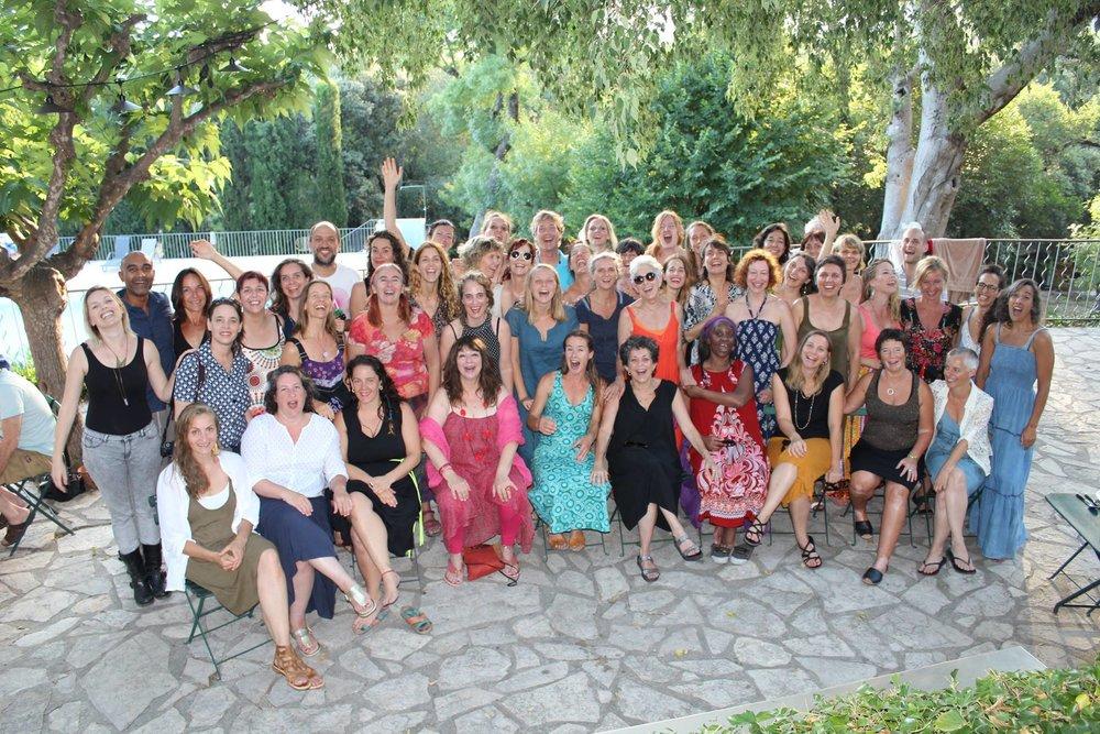 OPEN FLOOR INTERNATIONAL    Συνεχής εκπαίδευση στη μέθοδο κινητικού διαλογισμού    Open Floor International    με 45 συμμετέχοντες από 21 χώρες.