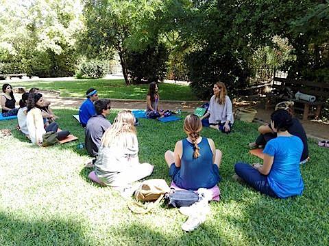 MINDFULNESS | ΟΡΓΑΝΩΣΗ ΓΗ    Εισαγωγή στο Mindfulness στον όμορφο κήπο της ΜΚΟ Οργάνωση Γη, λαμβάνοντας μέρος στις εκδηλώσεις για τους παγκόσμιους στόχους για τη Βιώσιμη Ανάπτυξη.
