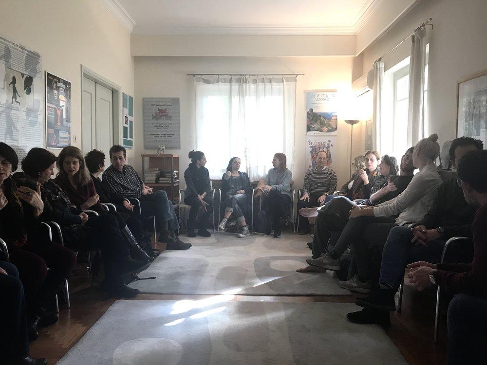 ΕΙΣΑΓΩΓΗ ΣΤΟ MINDFULNESS | AKMA    Στιγμιότυπο από το εισαγωγικό workshop mindfulness στο    Αθηναϊκό Κέντρο Μελέτης του Ανθρώπου    ΑΚΜΑ.