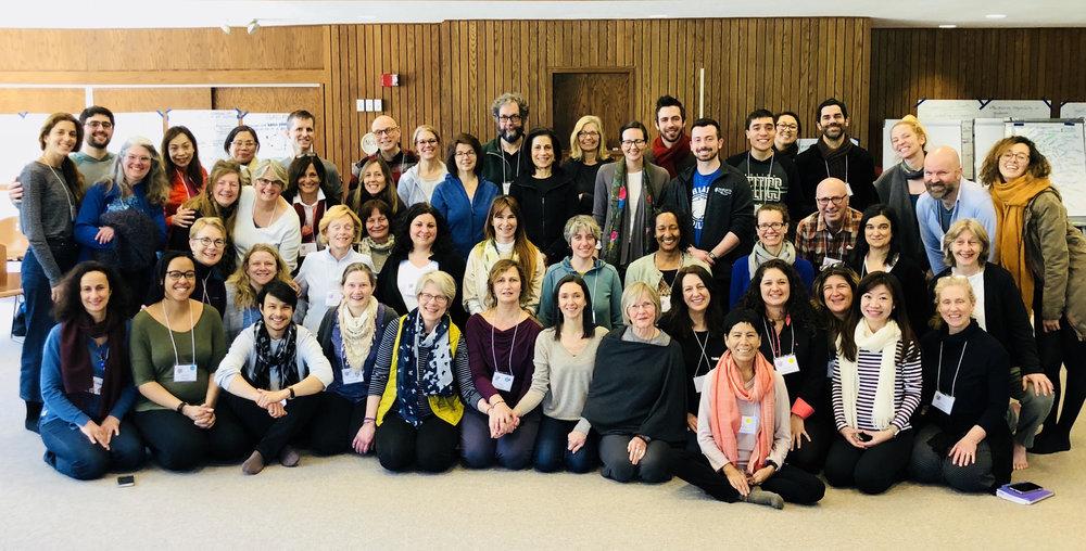 UMASS CENTER FOR MINDFULNESS    Συνεχής εκπαίδευση mindfulness/MBSR στο    Center for Mindfulness    της Ιατρικής Σχολής του Πανεπιστημίου της Μασαχουσέτης στη Βοστώνη, που ιδρύθηκε από τον Dr. Jon Kabat-Zinn.