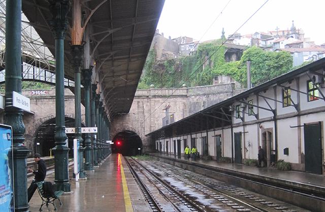 Porto-Sao-Bento-station