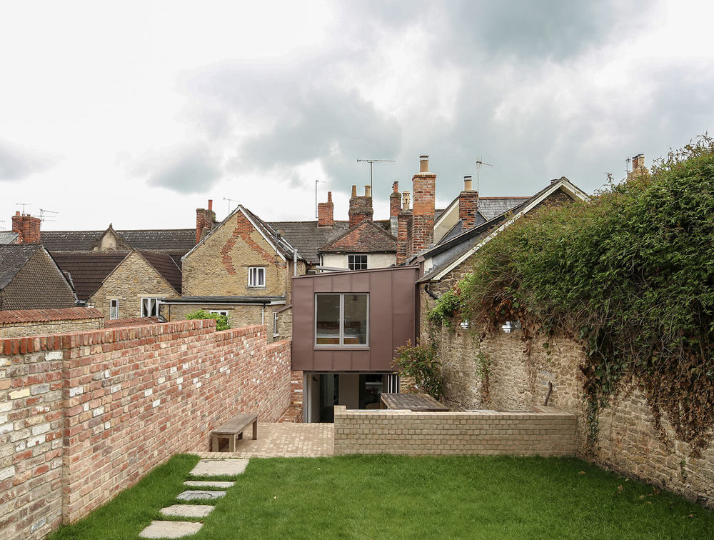16-Bruton-Narrow-House-Somerset-Prewett-Bizley-Architects-Garden-Zinc.jpg