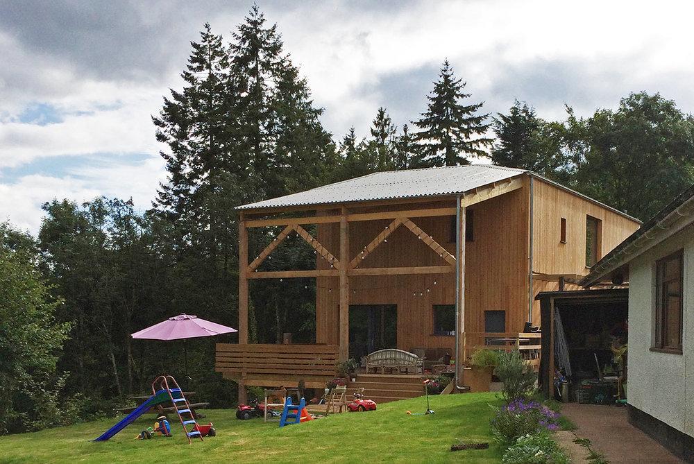 Devon-House-Passivhaus-Prewett-Bizley-Architects-loggia-garden.jpg