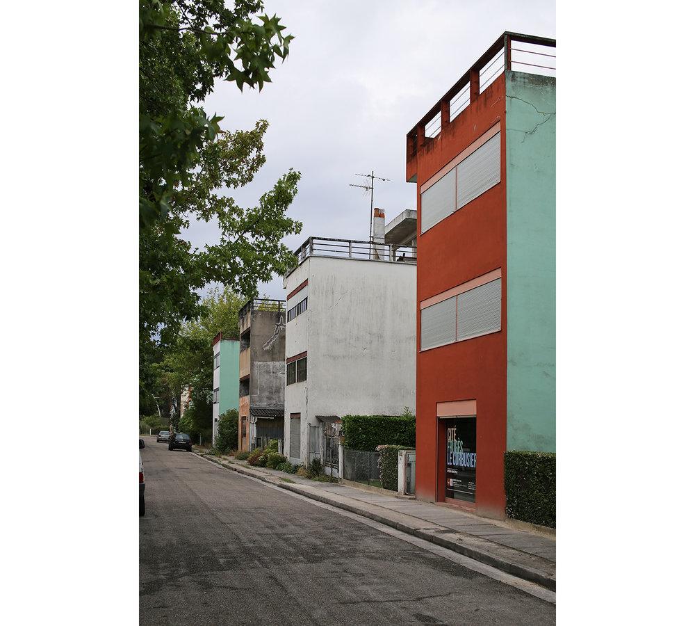 Le-Corbusier-Cite-Fruges-Pessac-Bizley-Somerset-Architect-3.jpg