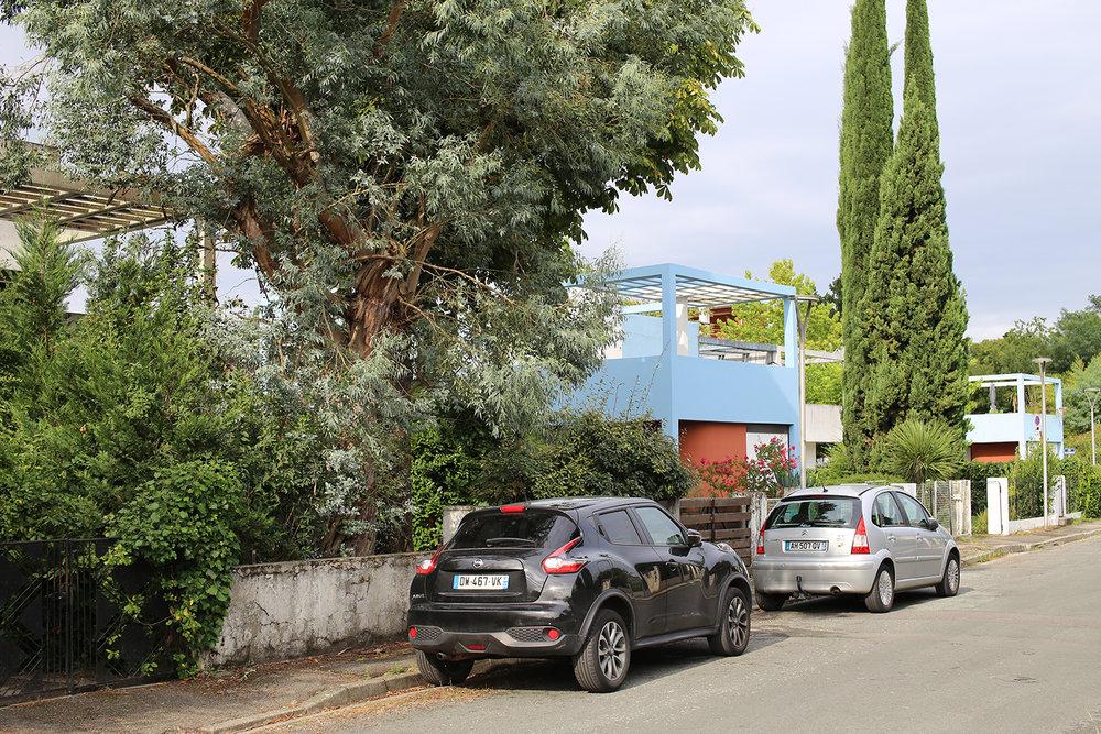 Le-Corbusier-Cite-Fruges-Pessac-pergola-Bizley-Somerset-Architect-garden.jpg