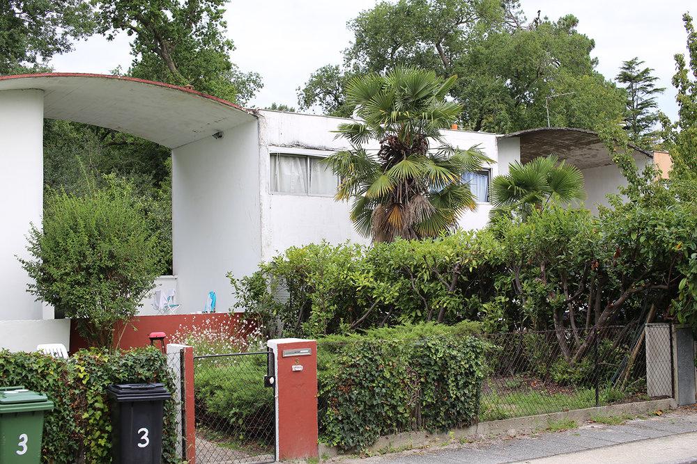 Le-Corbusier-Cite-Fruges-Pessac-pergola-Bizley-Somerset-Architect-roof.jpg
