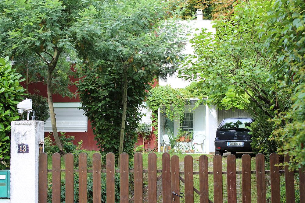 Le-Corbusier-Cite-Fruges-Pessac-Bizley-Somerset-Architect-garden.jpg
