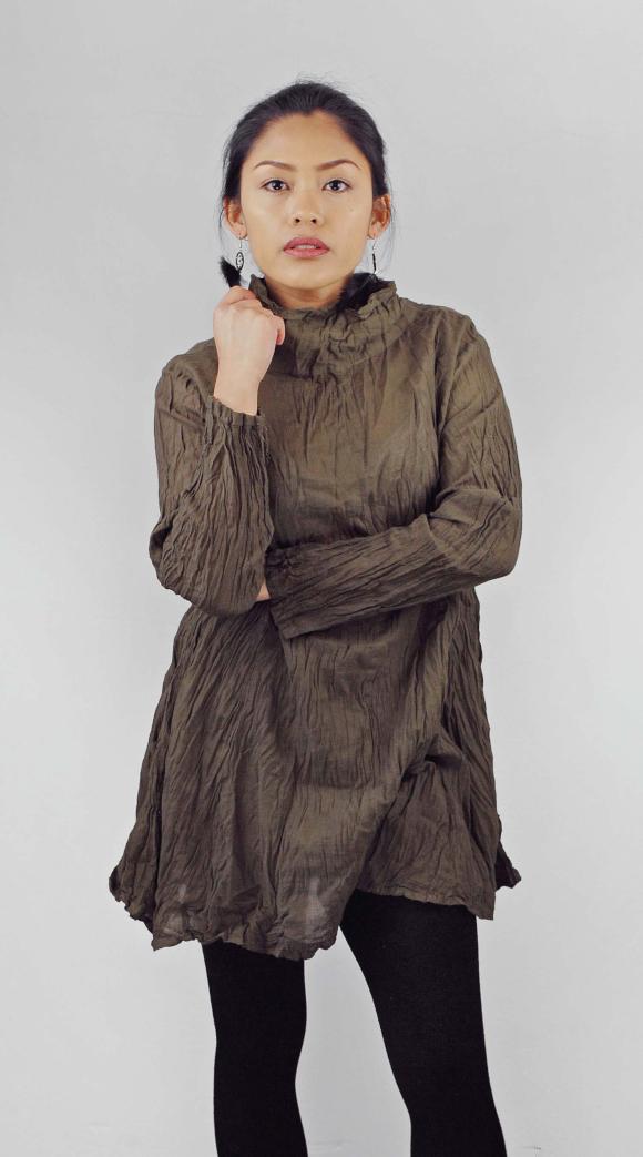Blusenshirt - aus crinkled cotton. Viele verschiedene Farben und Modelle, 29 €