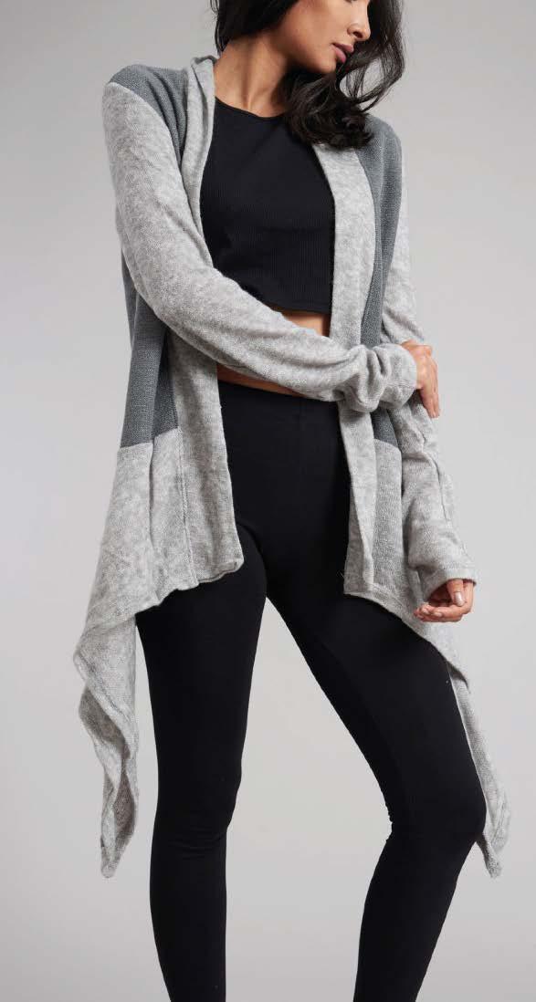 Lässige Jacke - aus weichem Polyesterstrick, verschiedene Farben, one size, 39€