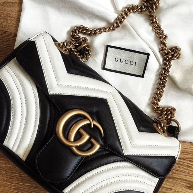 You'll find this beauty on Tradono😍 Link in bio👀 . . . #gucci #blackandwhite #marmont #guccibag #guccilover #guccilove #guccigang #styleinspo #stylediaries #styleinspiration #fashionista #accessories #bagaddict #summervibes #desinger #luxurybrand #inspiration #tradonoswiss #staypositive #casualchic #simplestyling #accessorizing #stylepost #goodvibes #happy #fashion #love #handbag #secondhand #secondhandfashion