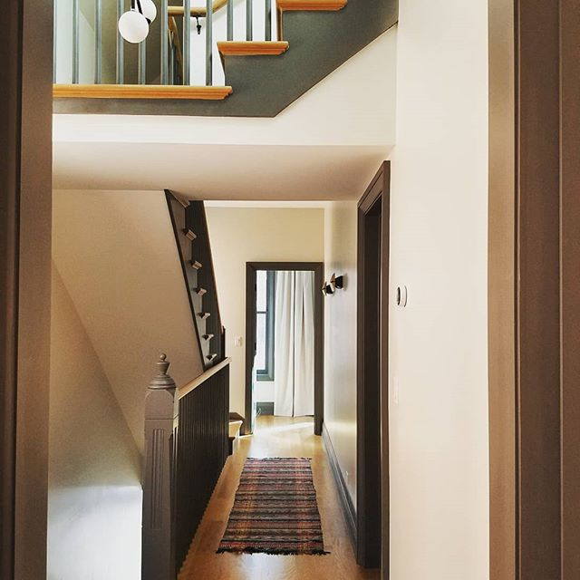 When we bought the #chicagoworkerscottage it had already been stripped of most of its original character.  The lone survivor was the newel post on the stairs.  So happy that we were able to reuse this beauty!  #chicagorenovation #gutrenovation