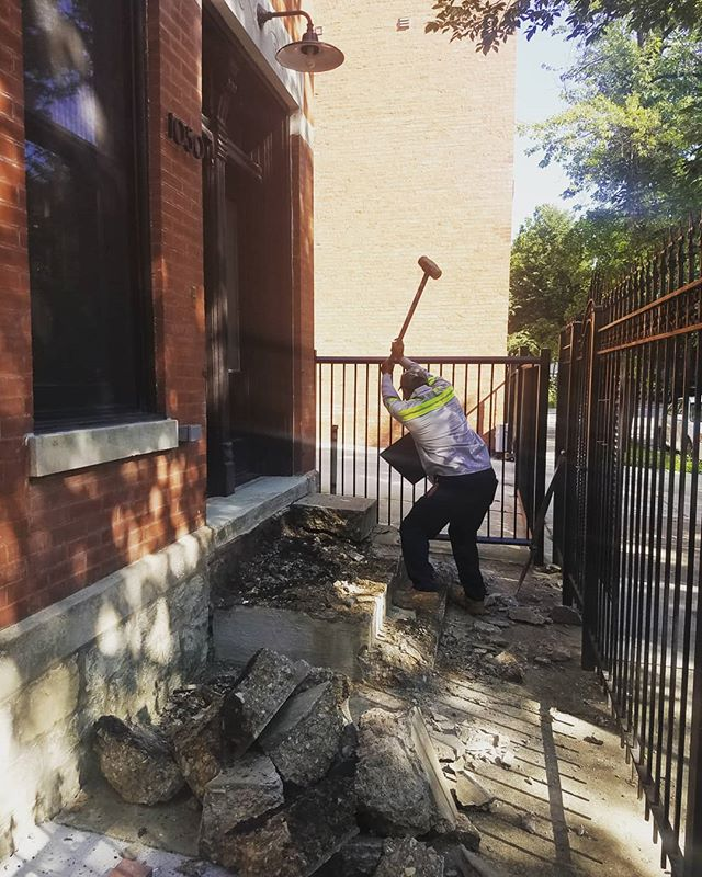 After almost a year of living with a sad concrete front yard, we are getting new stairs, brick pavers, and some pretty greenery! So excited for this part of the transformation! #studiocode #chicagoworkerscottage #landscapedesign #demoday