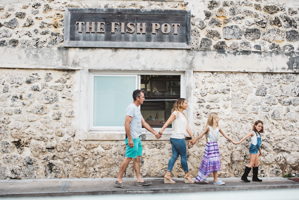Life PhotographybyAniya_Fisher Pot Restaurant Barbados_Family Photography20151213_24.png