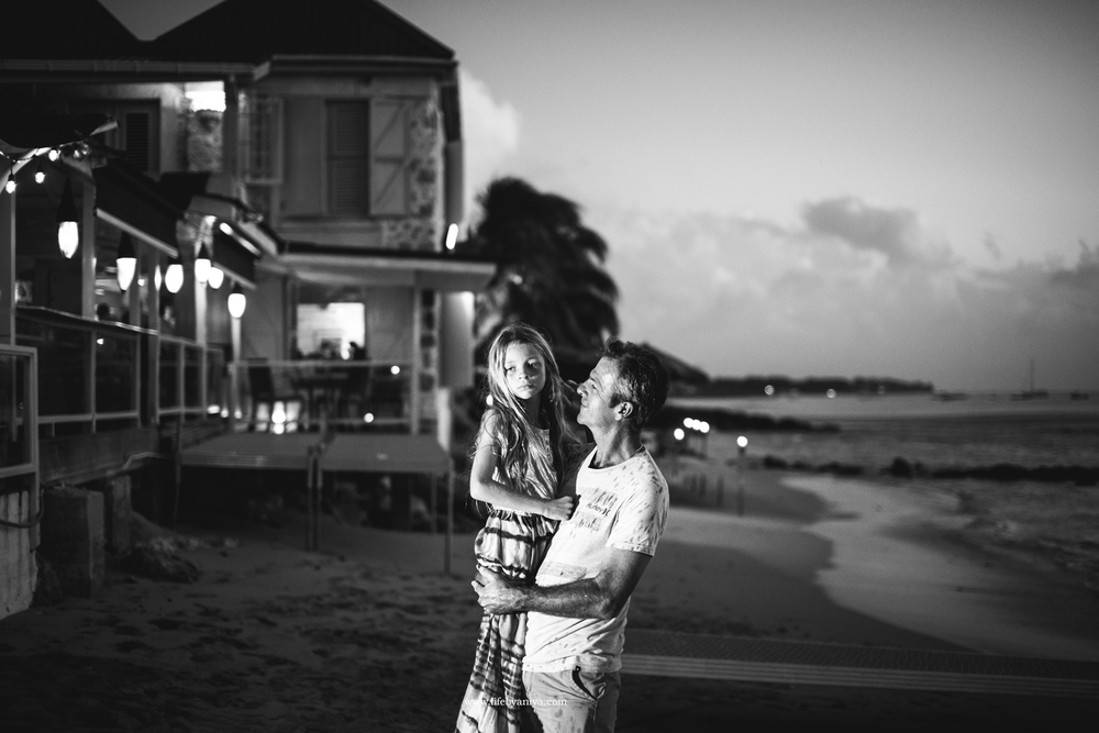 Life PhotographybyAniya_Fisher Pot Restaurant Barbados_Family Photography20151213_32.png