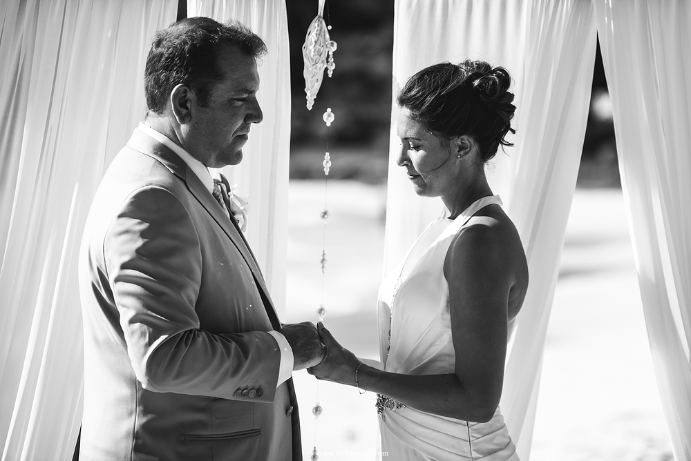 barbados-wedding-photography-jolly-harbor-antigua-sugar-ridge-hotel050.png