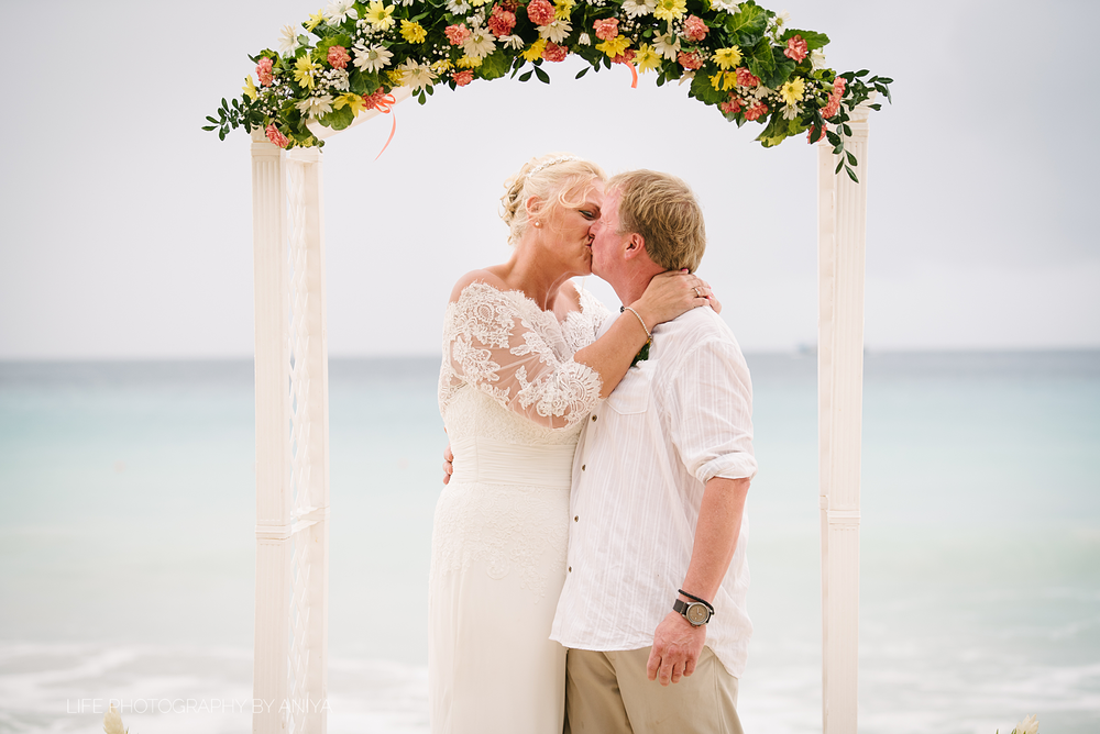 barbados-wedding-photography-crystal-cove-hotel-gd46.png