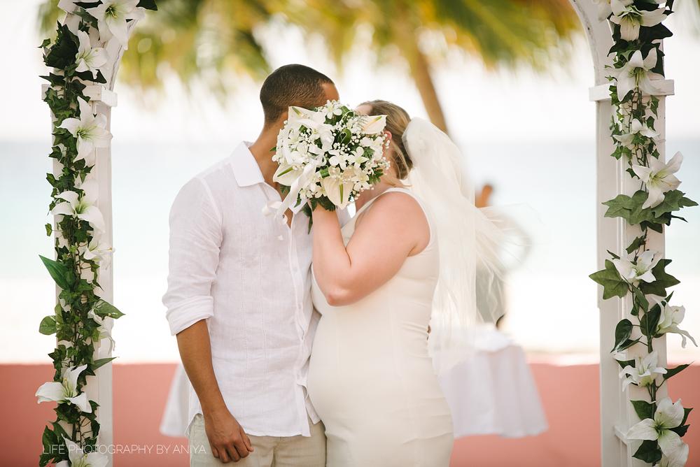 life-photography-by-aniya-kristiina-carl-wedding-dec1-2016--67.png