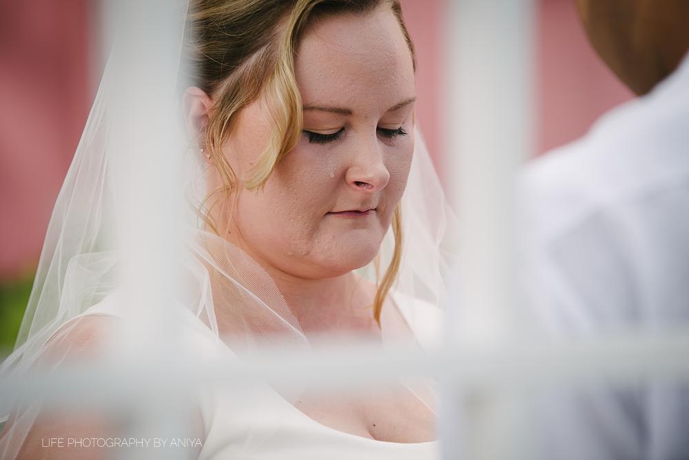 life-photography-by-aniya-kristiina-carl-wedding-dec1-2016--42.png