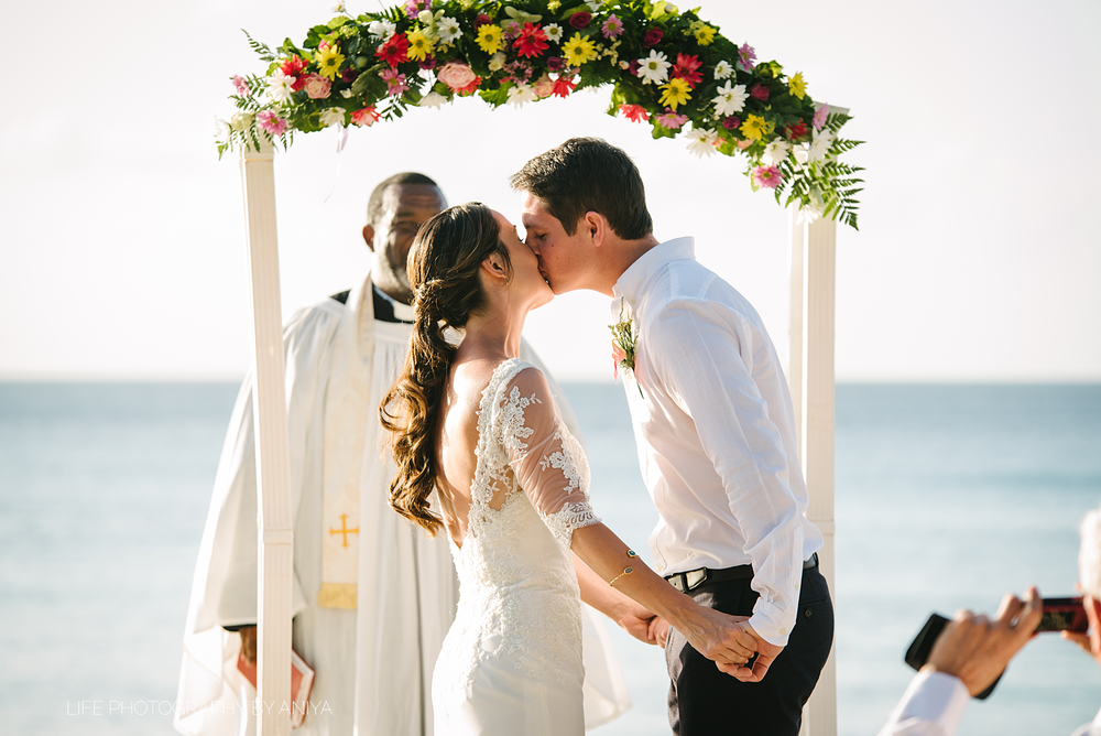 barbados-wedding-photography-the-crystal-cove-hotel-mm090.png