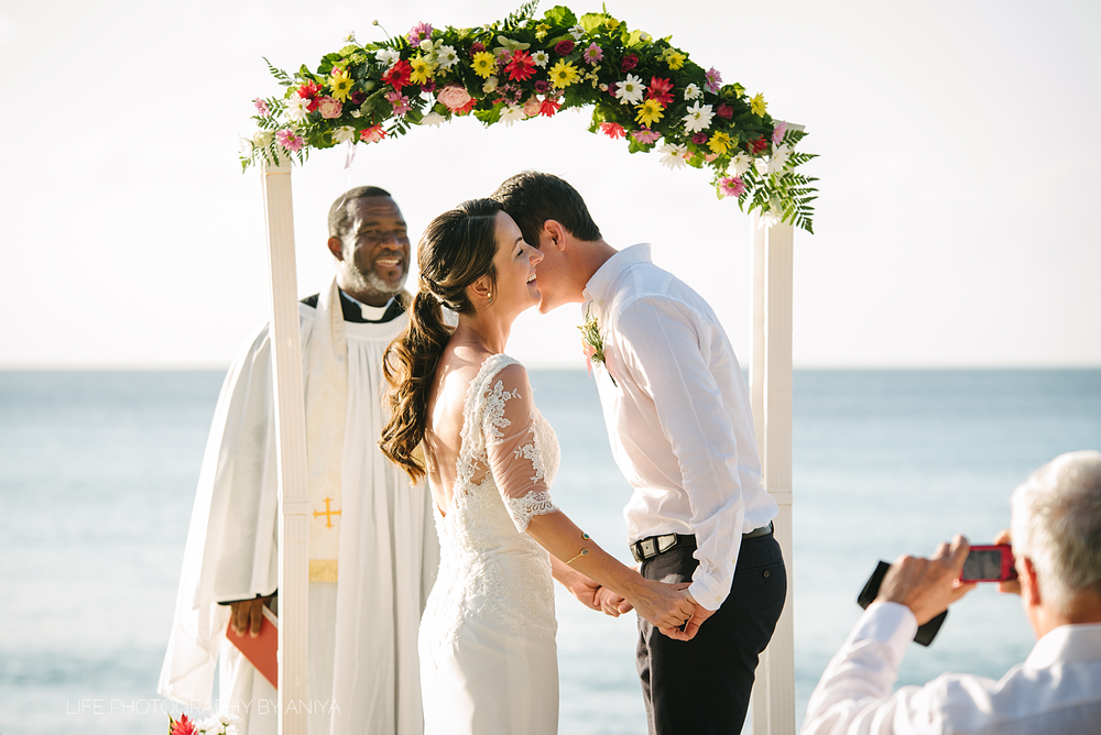 barbados-wedding-photography-the-crystal-cove-hotel-mm089.png