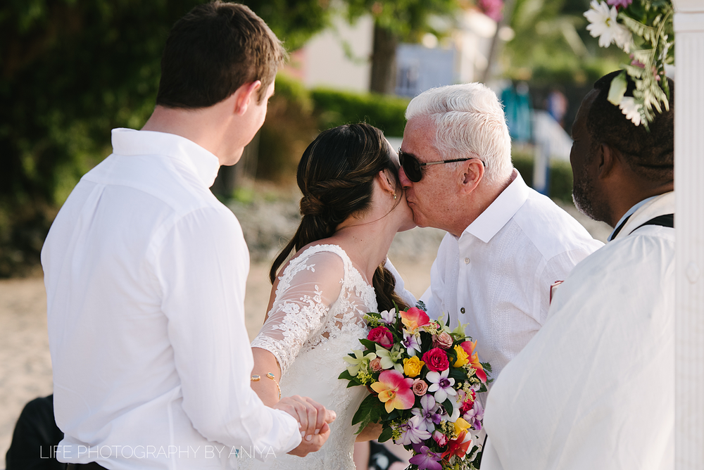 barbados-wedding-photography-the-crystal-cove-hotel-mm072.png