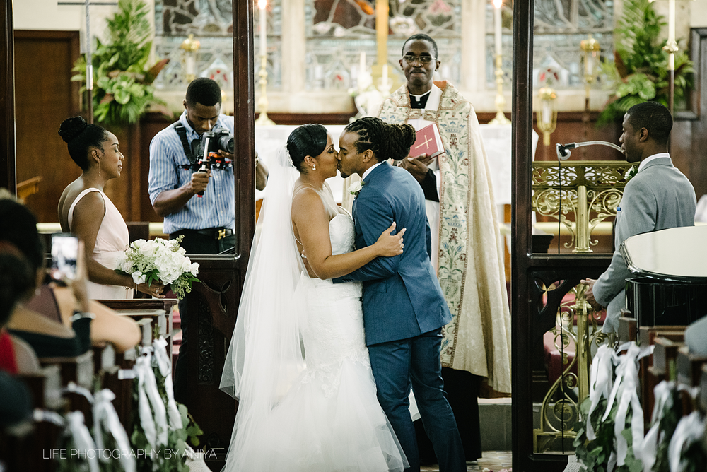 barbados-wedding-photography-the-soco-hotel-st.matthias-church-ka-45.png