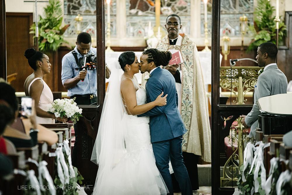 barbados-wedding-photography-the-soco-hotel-st.matthias-church-ka-45.png