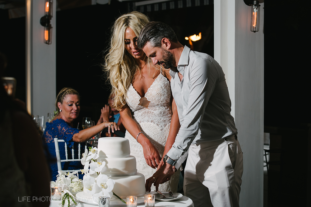 barbados-wedding-photography-Lonestar-Restaurant-km-085.png