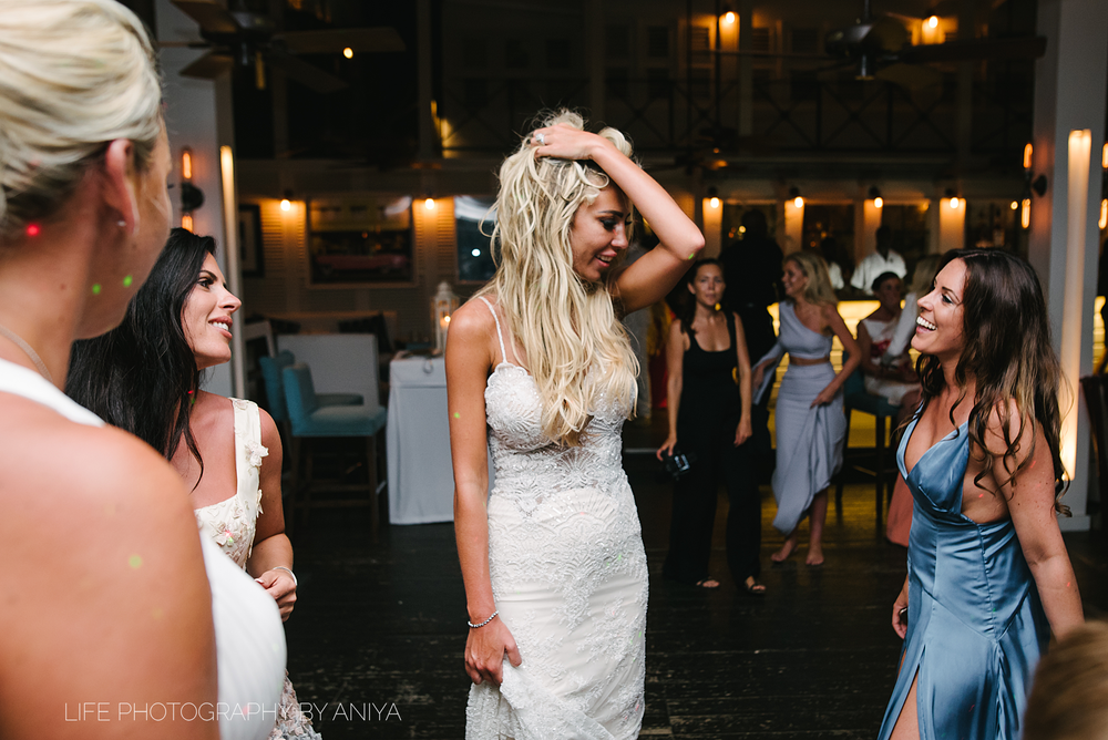 barbados-wedding-photography-Lonestar-Restaurant-km-095.png