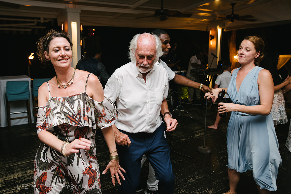 barbados-wedding-photography-Lonestar-Restaurant-km-096.png