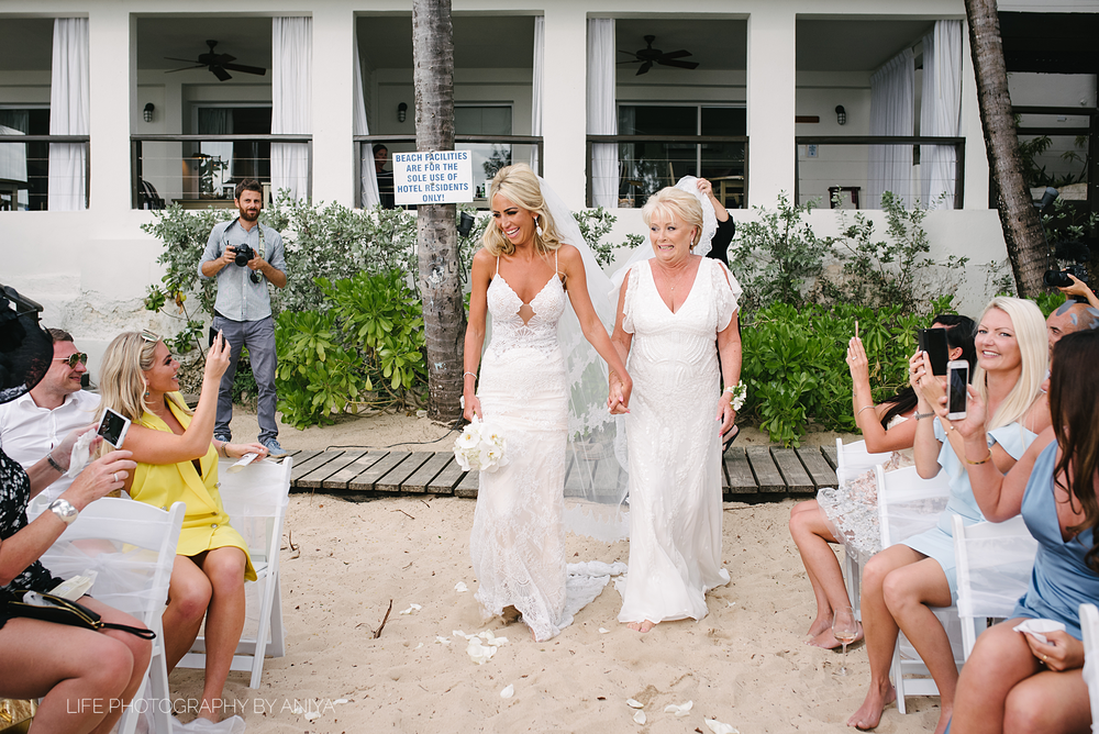 barbados-wedding-photography-Lonestar-Restaurant-km-137.png