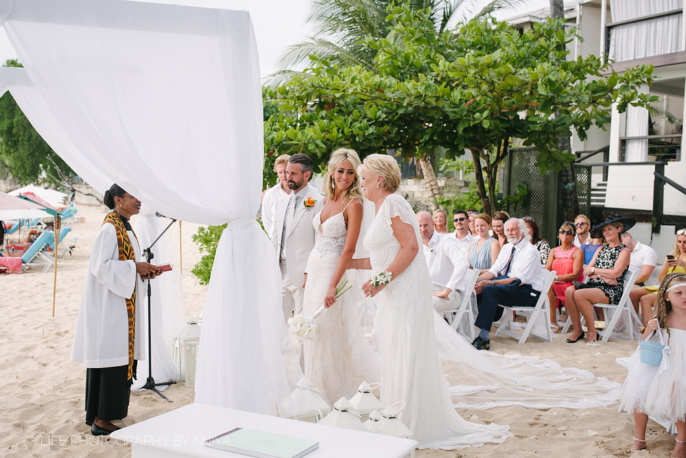 barbados-wedding-photography-Lonestar-Restaurant-km-142.png