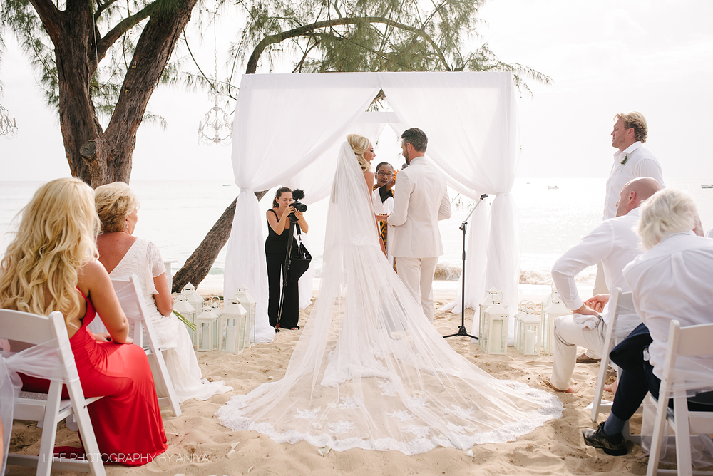 barbados-wedding-photography-Lonestar-Restaurant-km-145.png