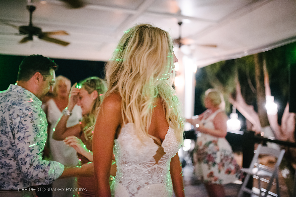 barbados-wedding-photography-Lonestar-Restaurant-km-195.png