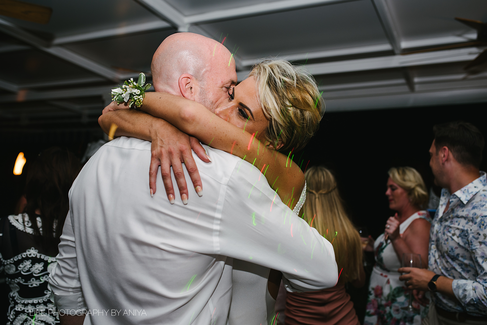 barbados-wedding-photography-Lonestar-Restaurant-km-198.png