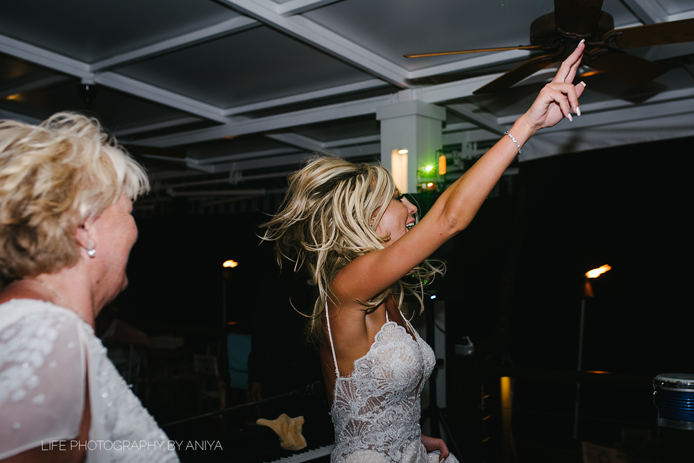 barbados-wedding-photography-Lonestar-Restaurant-km-204.png