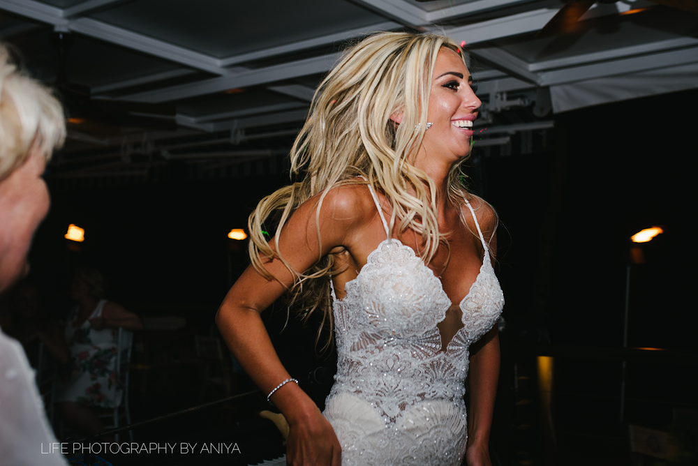 barbados-wedding-photography-Lonestar-Restaurant-km-205.png