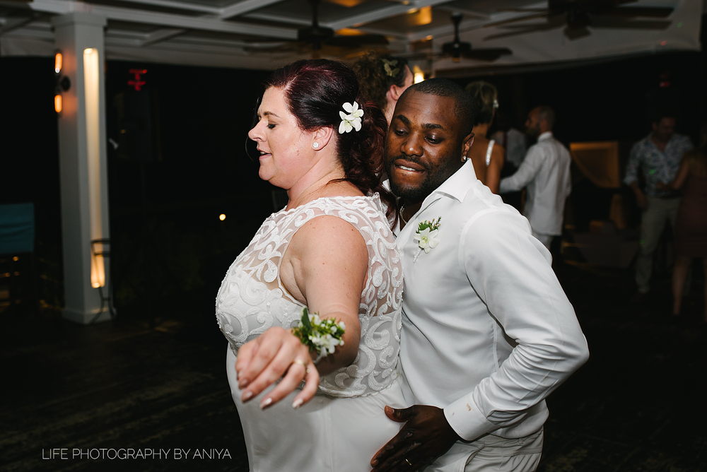 barbados-wedding-photography-Lonestar-Restaurant-km-234.png
