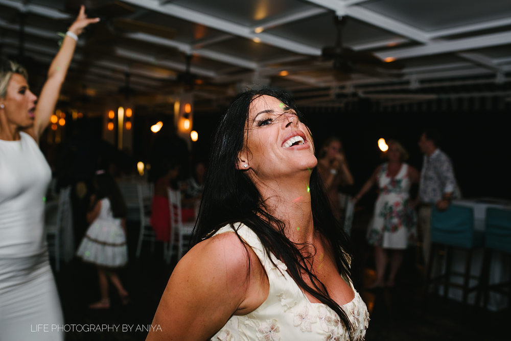 barbados-wedding-photography-Lonestar-Restaurant-km-235.png