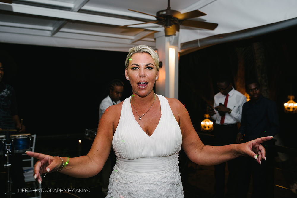 barbados-wedding-photography-Lonestar-Restaurant-km-236.png
